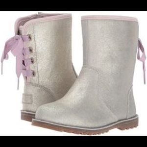 b66066fb599 Kids Ugg Boots Laces Back on Poshmark